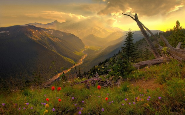 Amazing_Mountain_Scenery_freecomputerdesktopwallpaper_1920