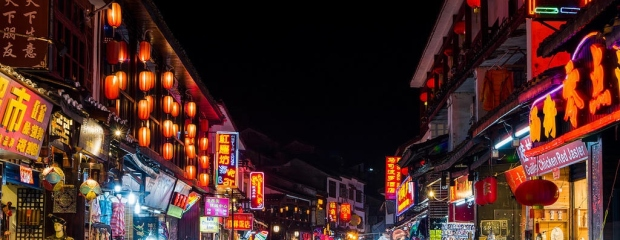 The-West-st-Night-Market-Yangshuo-China
